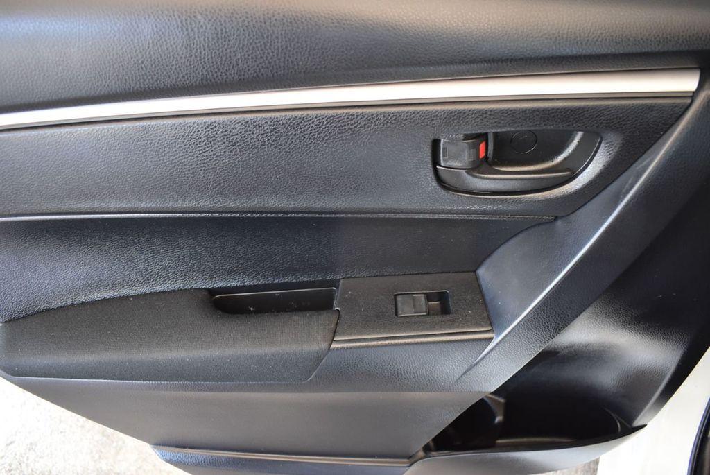 2015 Toyota Corolla 4dr Sedan Manual L - 18166467 - 13