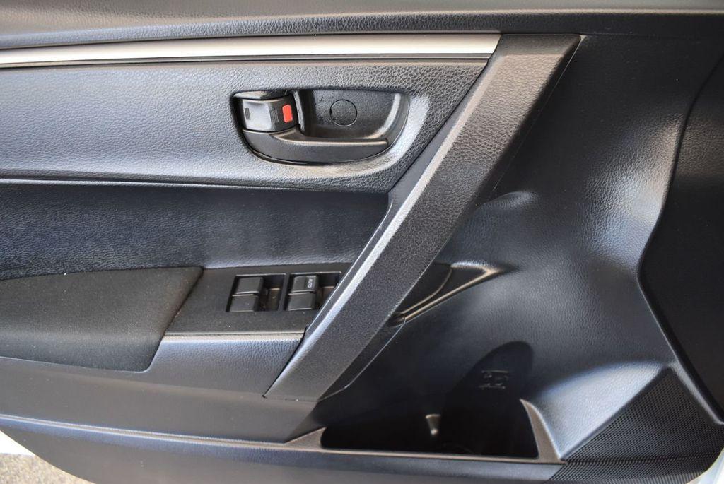 2015 Toyota Corolla 4dr Sedan Manual L - 18166467 - 15