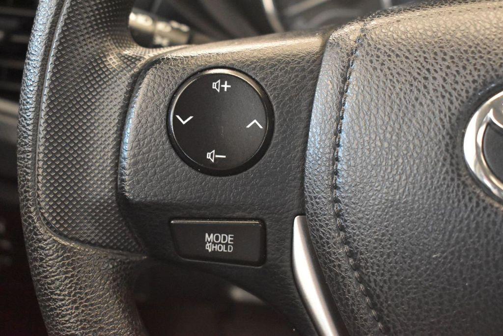 2015 Toyota Corolla 4dr Sedan Manual L - 18166467 - 19