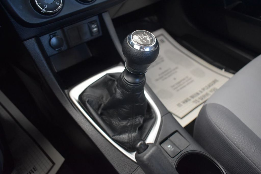 2015 Toyota Corolla 4dr Sedan Manual L - 18166467 - 21