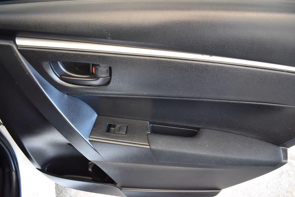 2015 Toyota Corolla 4dr Sedan Manual L - 18166467 - 23
