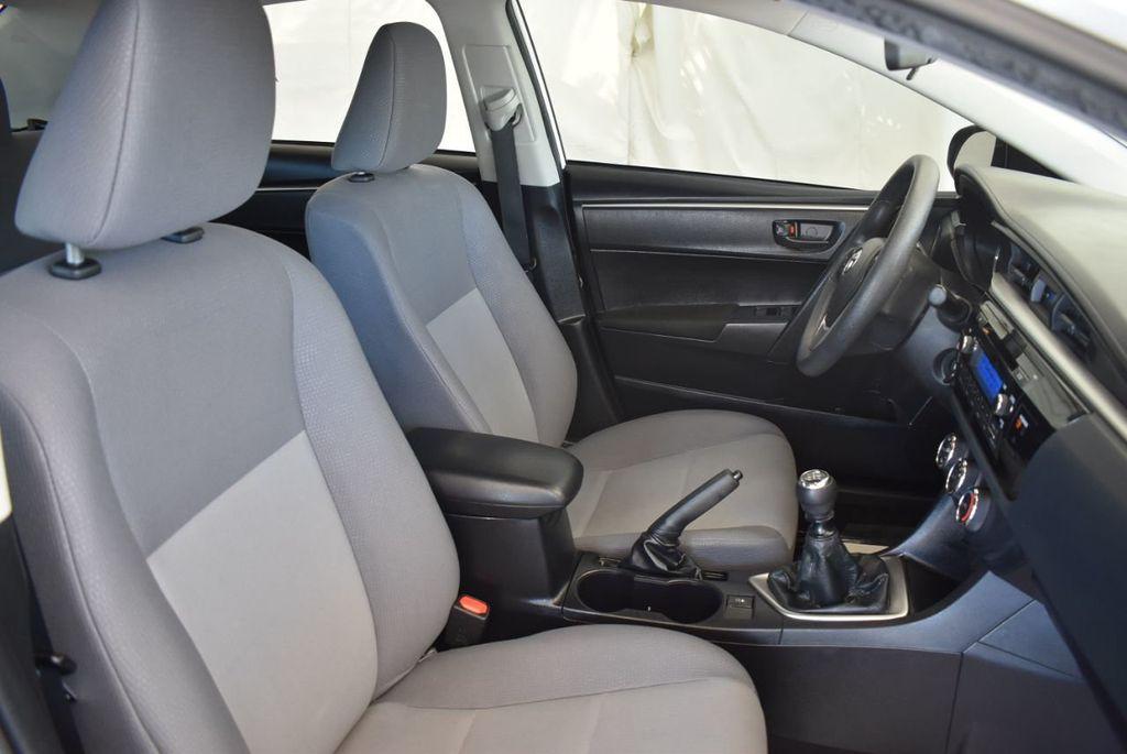 2015 Toyota Corolla 4dr Sedan Manual L - 18166467 - 25
