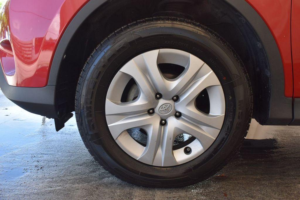 2015 Toyota RAV4 FWD 4dr LE - 17965855 - 11