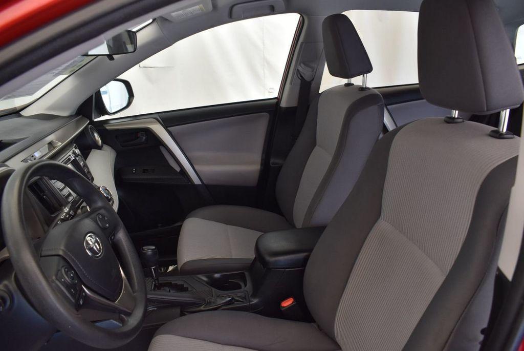 2015 Toyota RAV4 FWD 4dr LE - 17965855 - 12