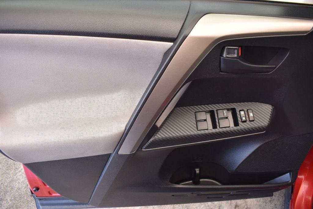 2015 Toyota RAV4 FWD 4dr LE - 17965855 - 13