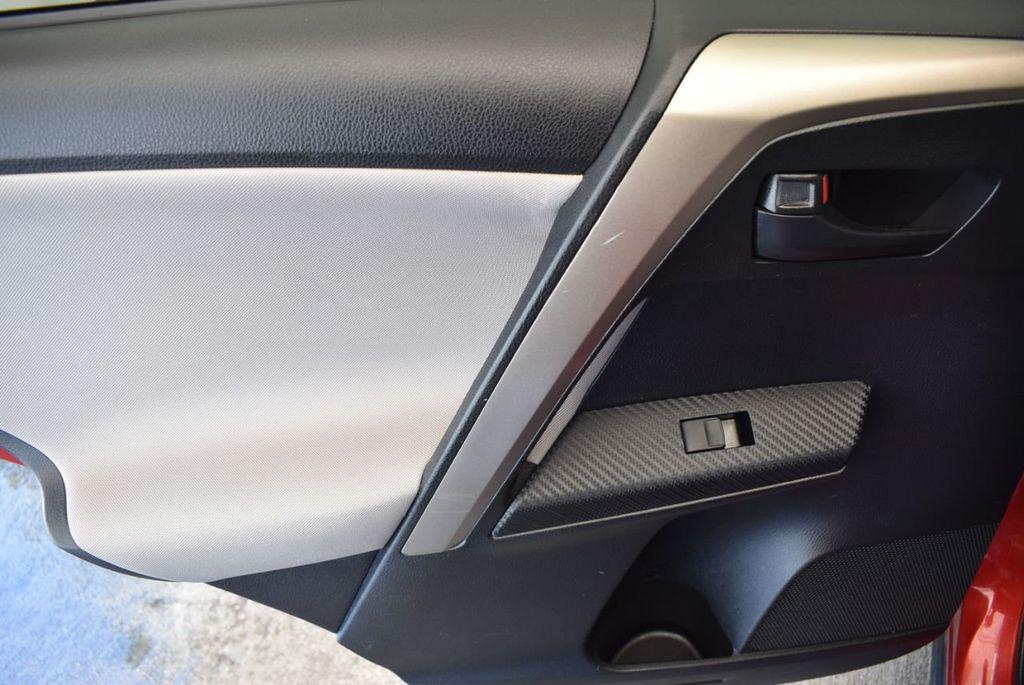 2015 Toyota RAV4 FWD 4dr LE - 17965855 - 15