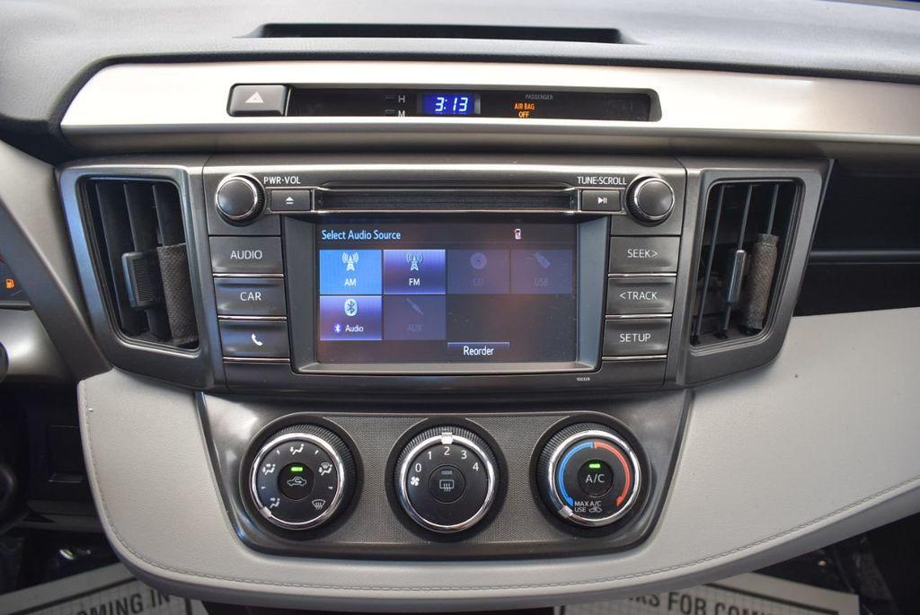 2015 Toyota RAV4 FWD 4dr LE - 17965855 - 20