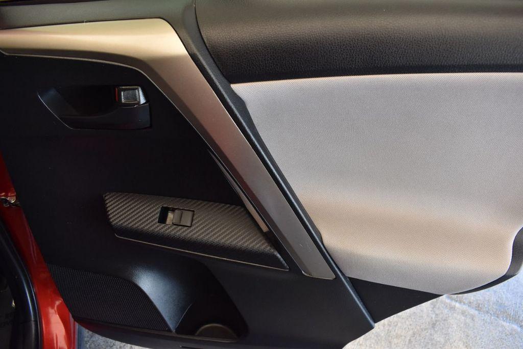 2015 Toyota RAV4 FWD 4dr LE - 17965855 - 23