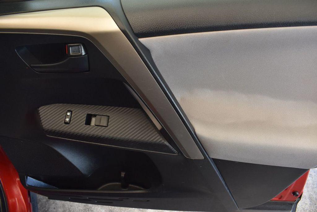 2015 Toyota RAV4 FWD 4dr LE - 17965855 - 25