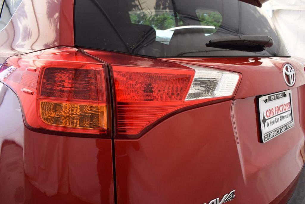 2015 Toyota RAV4 FWD 4dr LE - 17965855 - 6