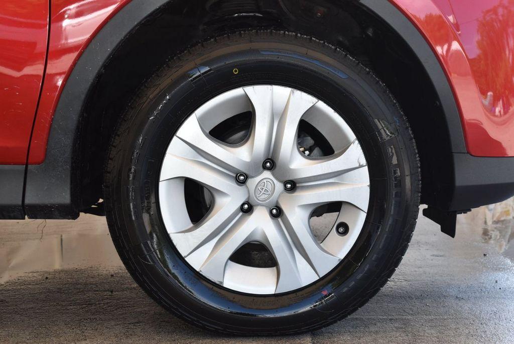 2015 Toyota RAV4 FWD 4dr LE - 17965855 - 8