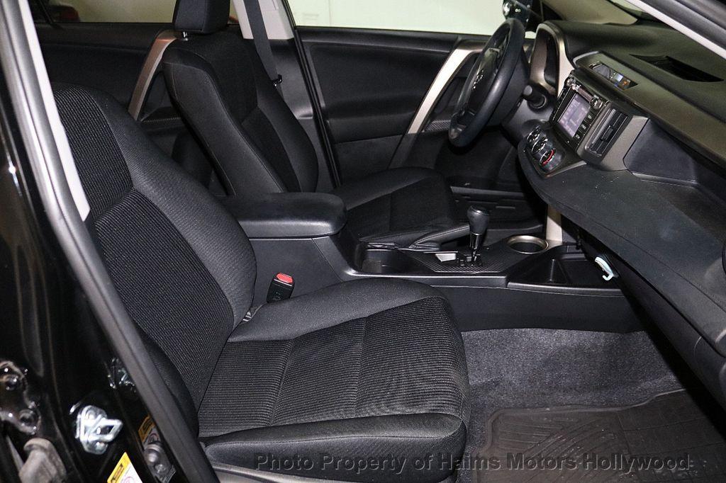 2015 Toyota RAV4 FWD 4dr LE - 18455267 - 13