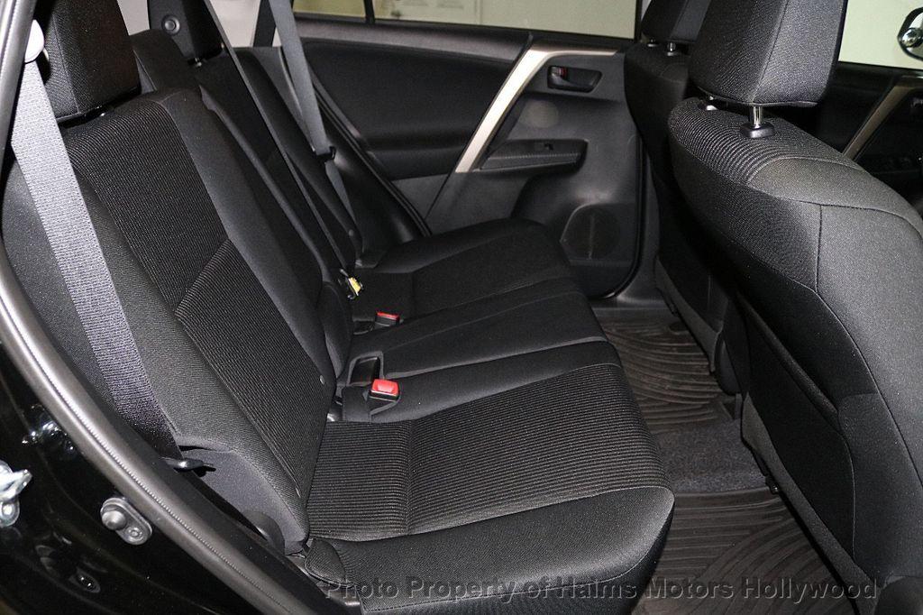 2015 Toyota RAV4 FWD 4dr LE - 18455267 - 14
