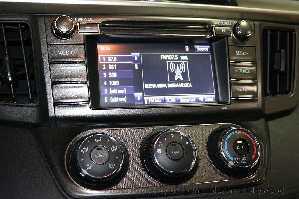 2015 Toyota RAV4 FWD 4dr LE - 18455267 - 19