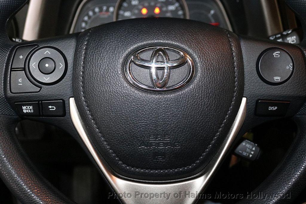 2015 Toyota RAV4 FWD 4dr LE - 18455267 - 23