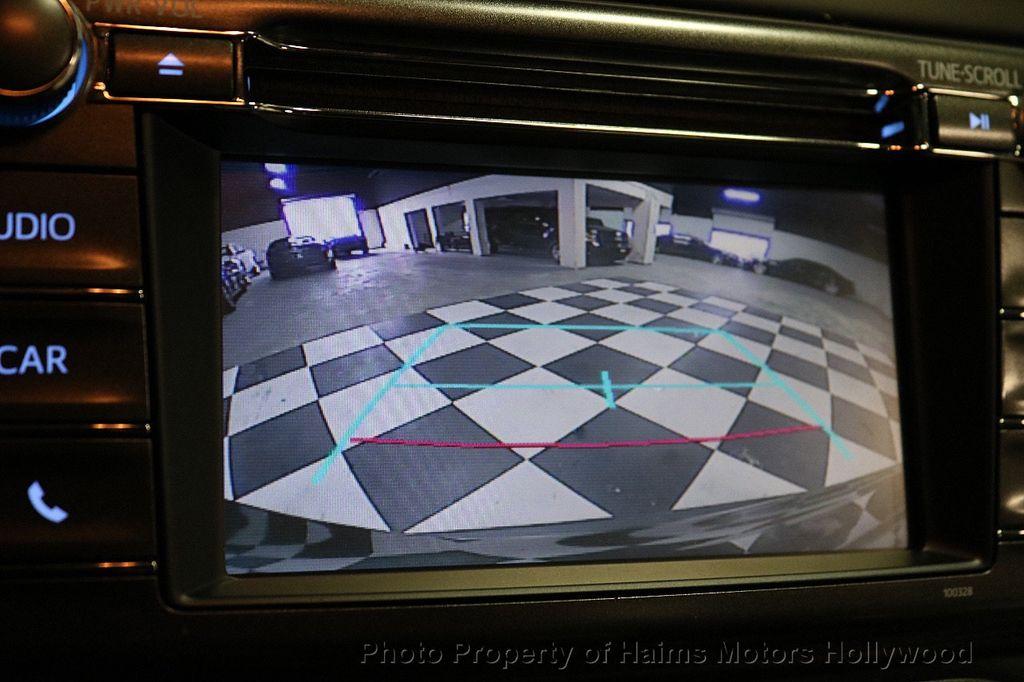 2015 Toyota RAV4 FWD 4dr LE - 18455267 - 27