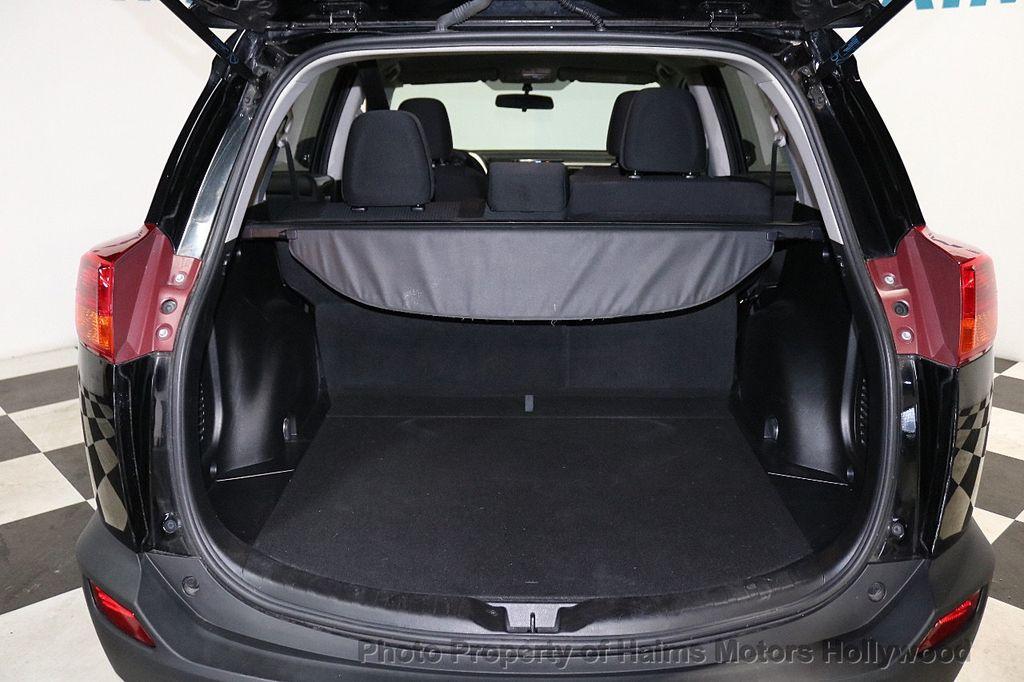 2015 Toyota RAV4 FWD 4dr LE - 18455267 - 8