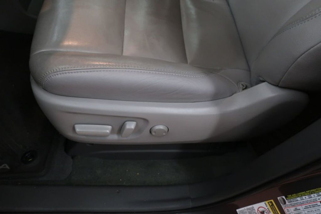 2015 Toyota Sienna Base; Limited; LE; XLE - 17318416 - 15