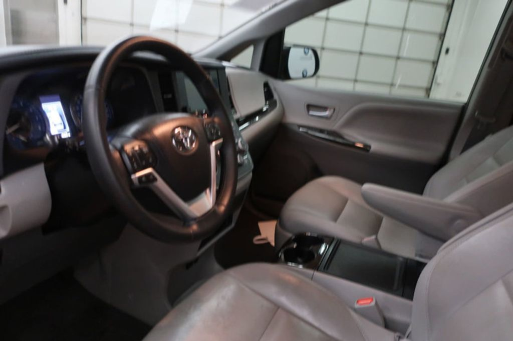2015 Toyota Sienna Base; Limited; LE; XLE - 17318416 - 27