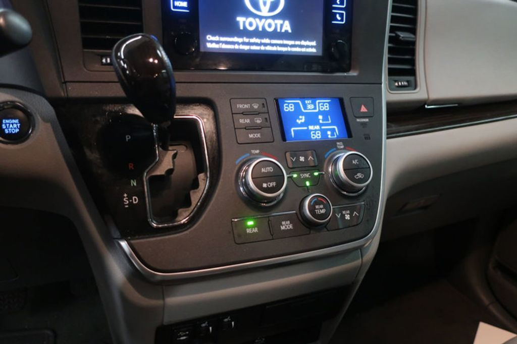 2015 Toyota Sienna Base; Limited; LE; XLE - 17318416 - 31