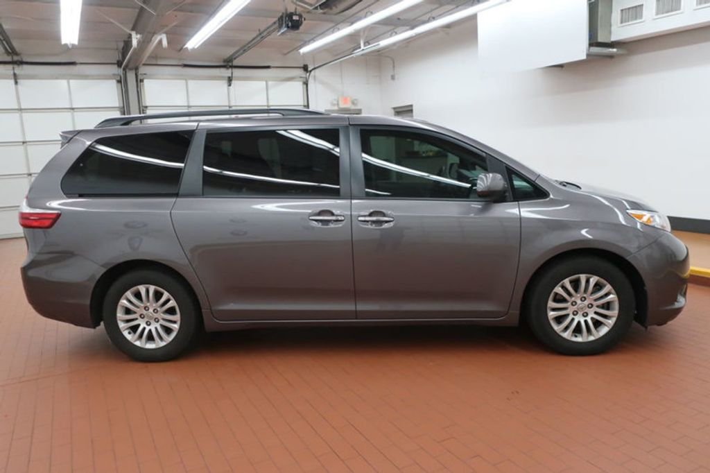 2015 Toyota Sienna Base; Limited; LE; XLE - 17318416 - 6