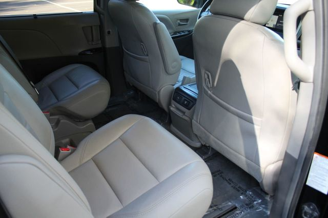 2015 Toyota Sienna ONE OWNER XLE PREMIUM LEATHER MOONROOF - Click to see full-size photo viewer