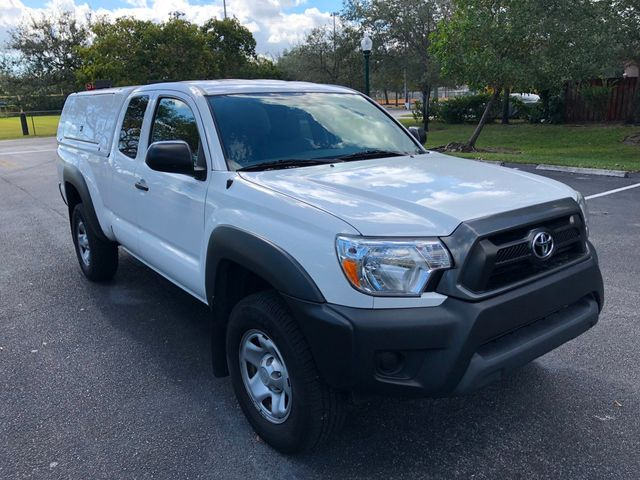 2015 Toyota Tacoma 2WD Access Cab I4 AT PreRunner - Click to see full-size photo viewer