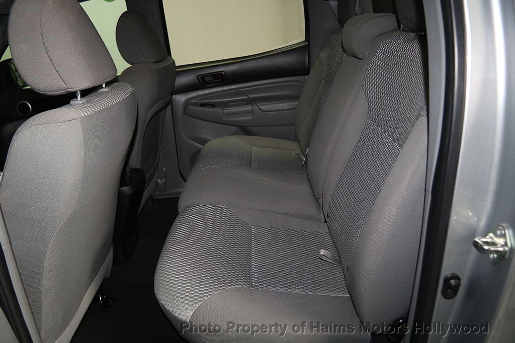 2015 Toyota Tacoma 2WD Double Cab I4 AT PreRunner - 16465281 - 13