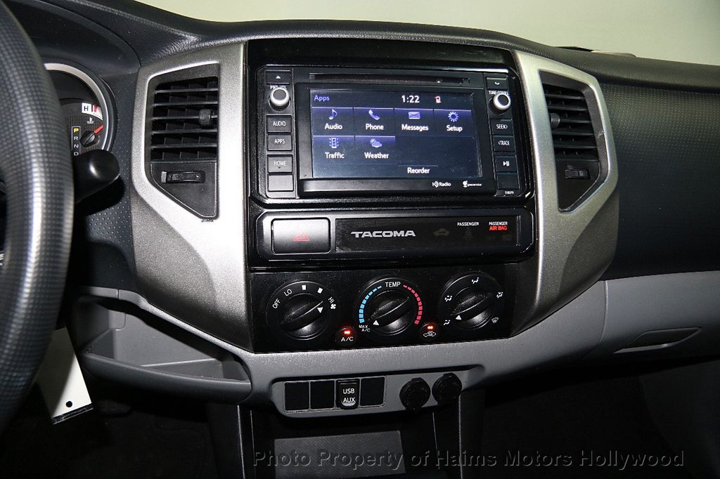 2015 Toyota Tacoma 2WD Double Cab I4 AT PreRunner - 16465281 - 17