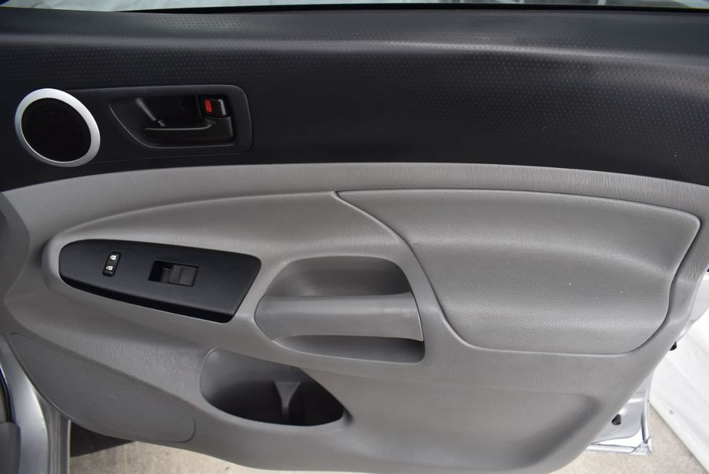 2015 Toyota Tacoma 2WD Double Cab V6 AT PreRunner - 18387276 - 18