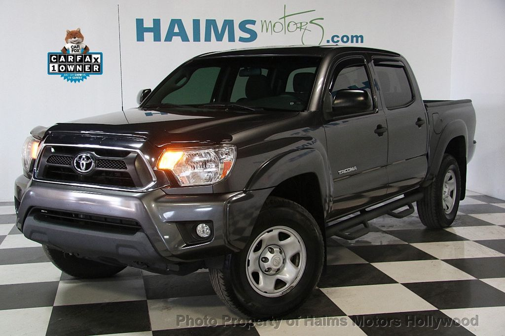 2015 Toyota Tacoma 2WD Double Cab V6 AT PreRunner - 17149349 - 0