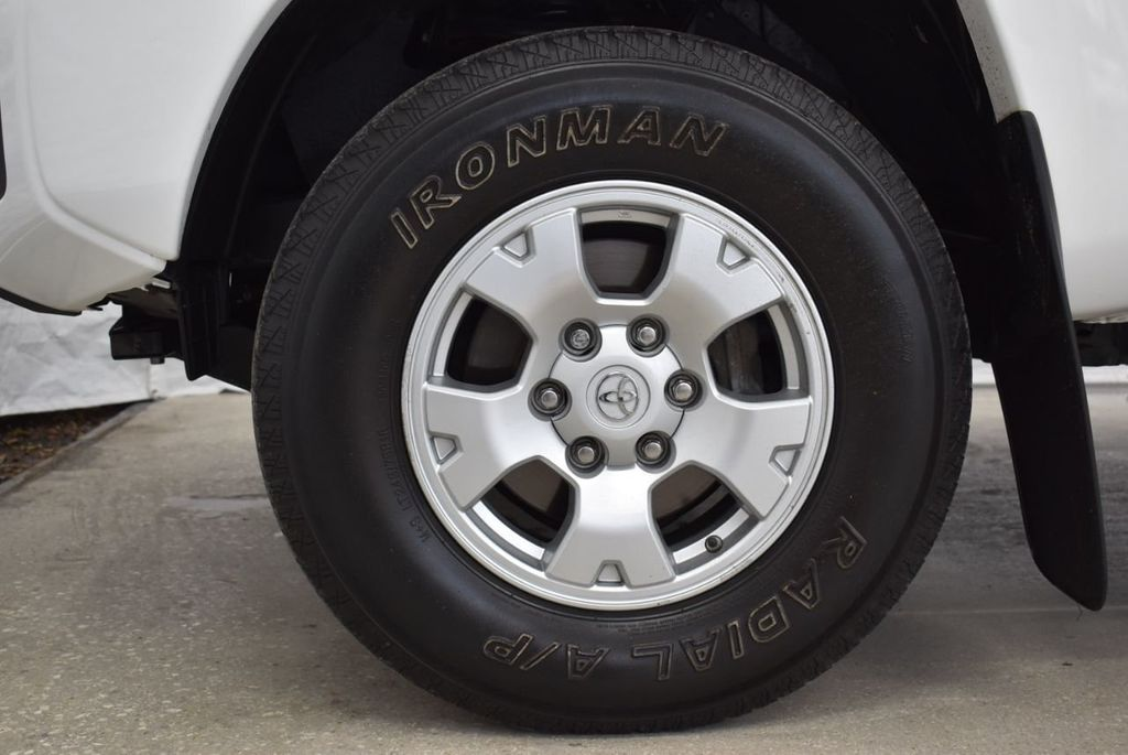 2015 Toyota Tacoma 2WD Double Cab V6 AT PreRunner - 18571143 - 9
