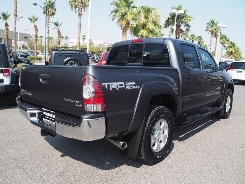 2015 Toyota Tacoma 2WD Double Cab V6 AT PreRunner - 17937403 - 11