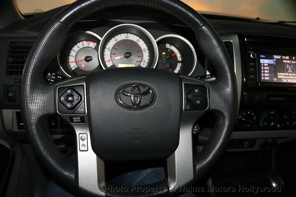 2015 Toyota Tacoma 4WD Double Cab V6 AT - 17441617 - 30
