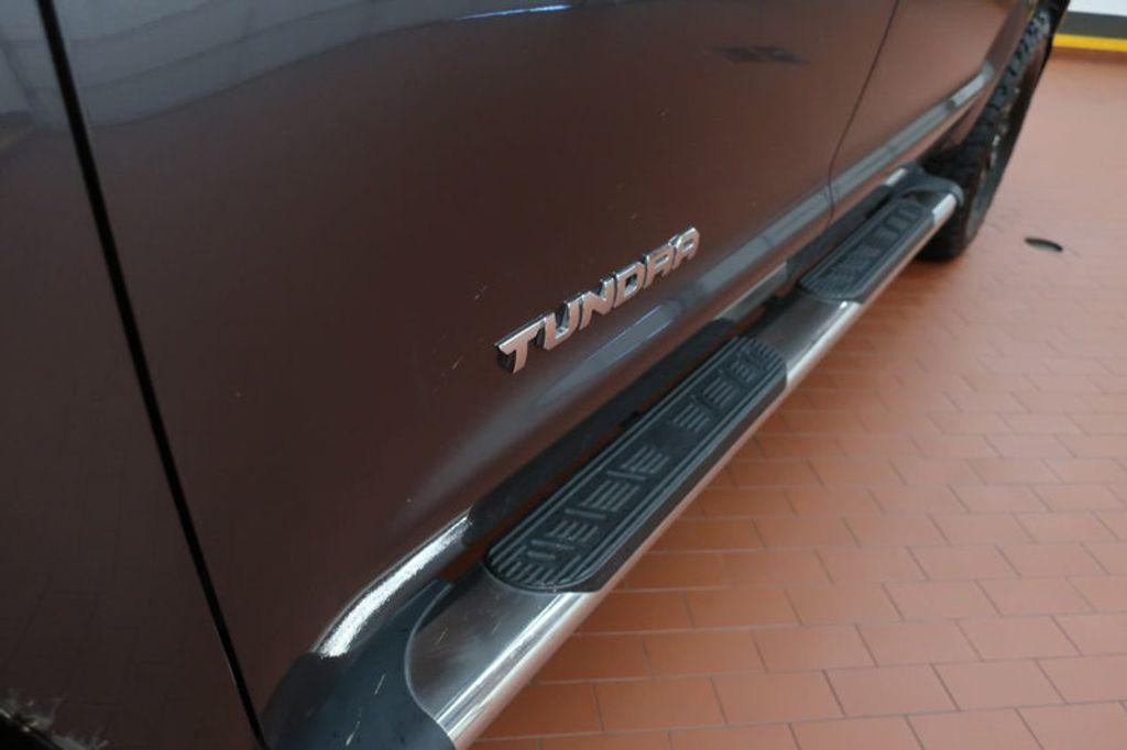 2015 Toyota Tundra 4WD TRUC CREW 4WD FFV V8 5. - 17082748 - 12