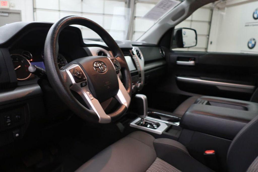2015 Toyota Tundra 4WD TRUC CREW 4WD FFV V8 5. - 17082748 - 17