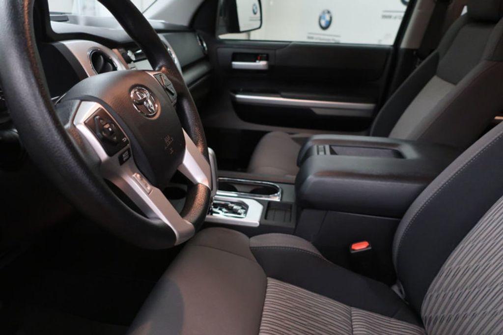 2015 Toyota Tundra 4WD TRUC CREW 4WD FFV V8 5. - 17082748 - 18