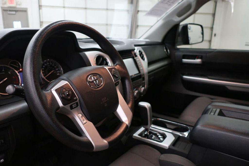 2015 Toyota Tundra 4WD TRUC CREW 4WD FFV V8 5. - 17082748 - 23