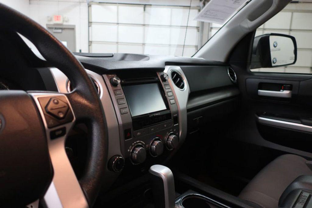 2015 Toyota Tundra 4WD TRUC CREW 4WD FFV V8 5. - 17082748 - 34