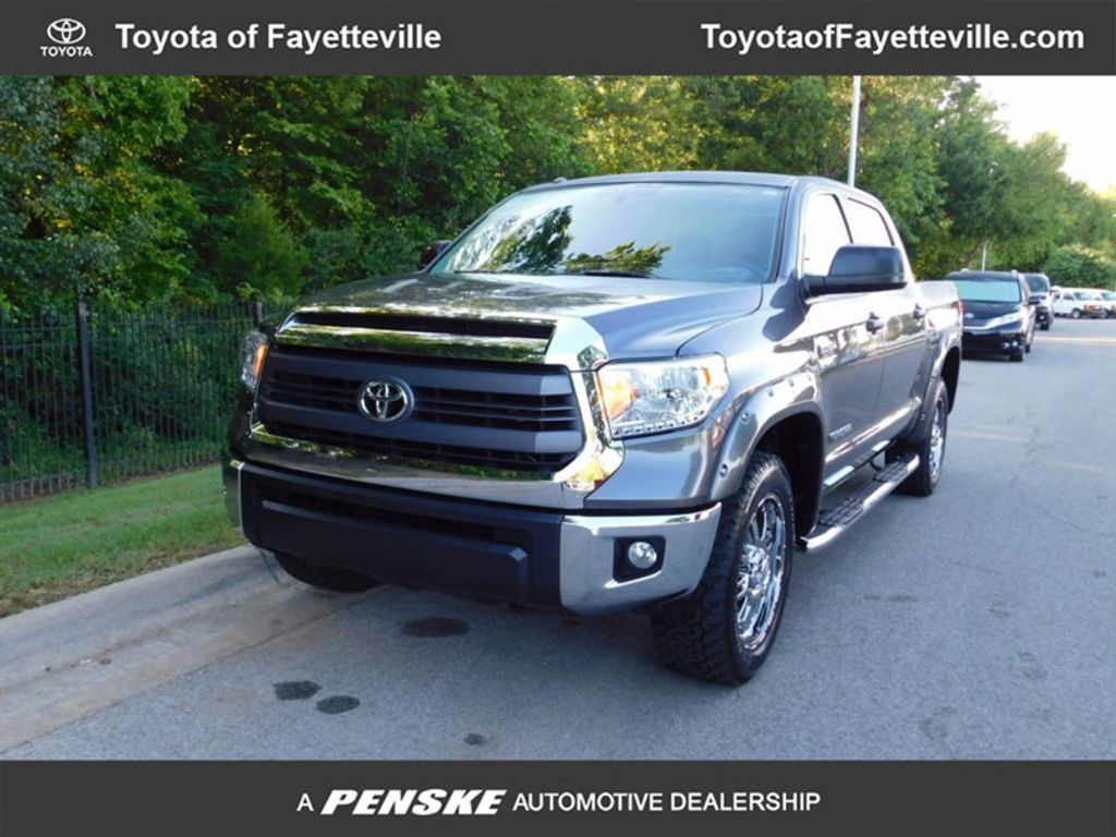 2015 Toyota Tundra CrewMax 5.7L FFV V8 6-Spd AT SR5 (Natl) - 16436102 - 0