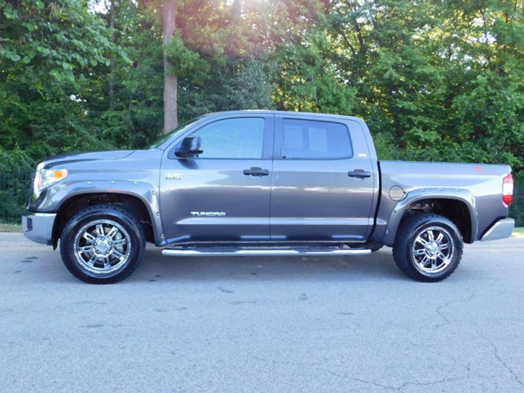 2015 Toyota Tundra CrewMax 5.7L FFV V8 6-Spd AT SR5 (Natl) - 16436102 - 1