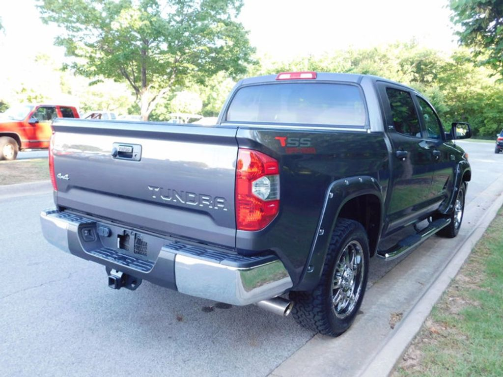 2015 Toyota Tundra CrewMax 5.7L FFV V8 6-Spd AT SR5 (Natl) - 16436102 - 2