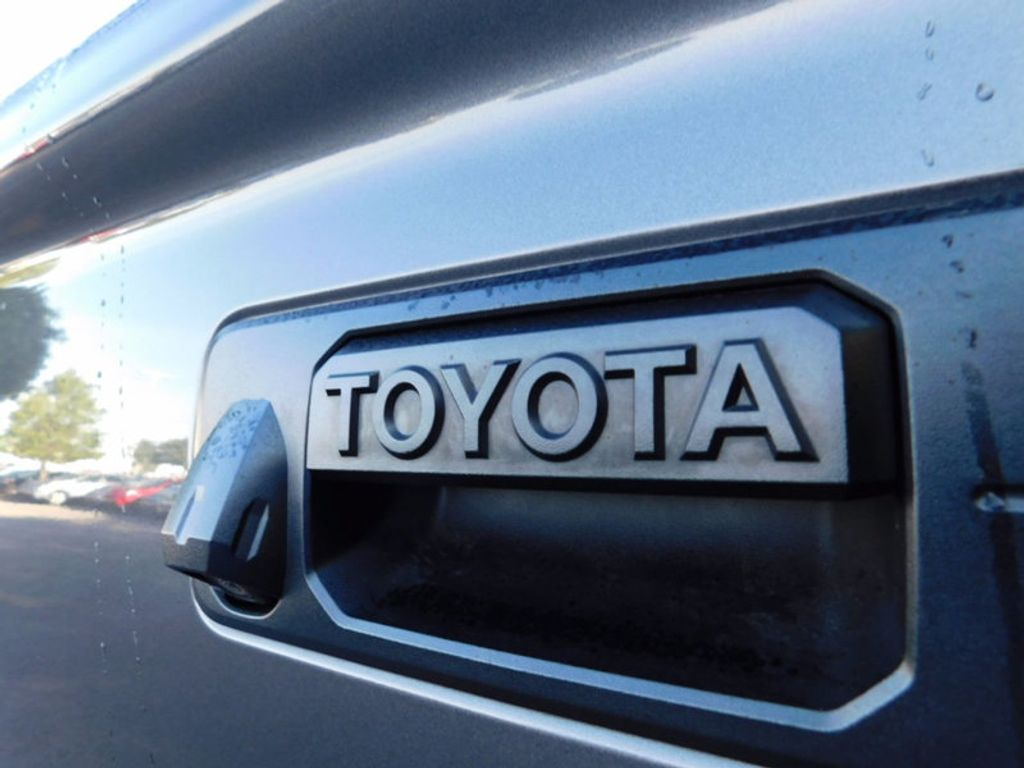 2015 Toyota Tundra CrewMax 5.7L FFV V8 6-Spd AT SR5 (Natl) - 16436102 - 3