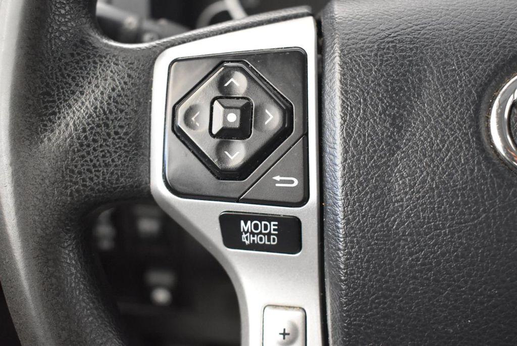 2015 Toyota Tundra CrewMax 5.7L V8 6-Spd AT SR5 (Natl) - 18044379 - 16