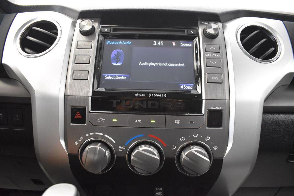 2015 Toyota Tundra CrewMax 5.7L V8 6-Spd AT SR5 (Natl) - 18044379 - 17
