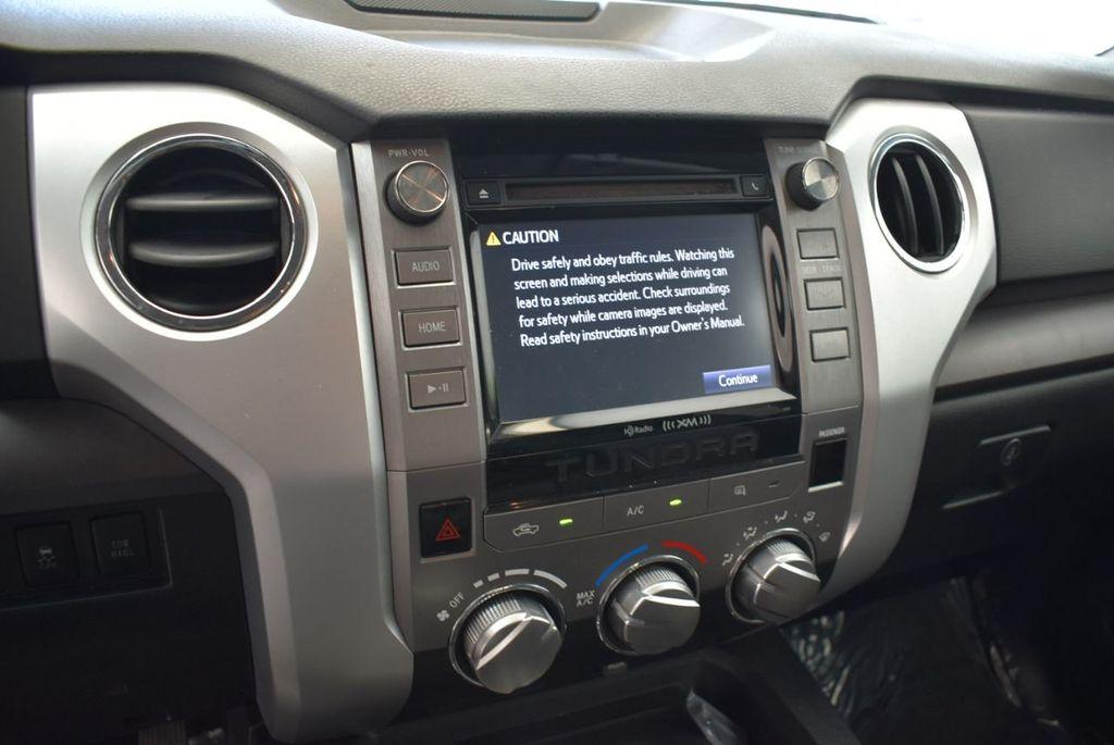 2015 Toyota Tundra Double Cab 5.7L V8 6-Spd AT SR5 (Natl) - 18194301 - 9