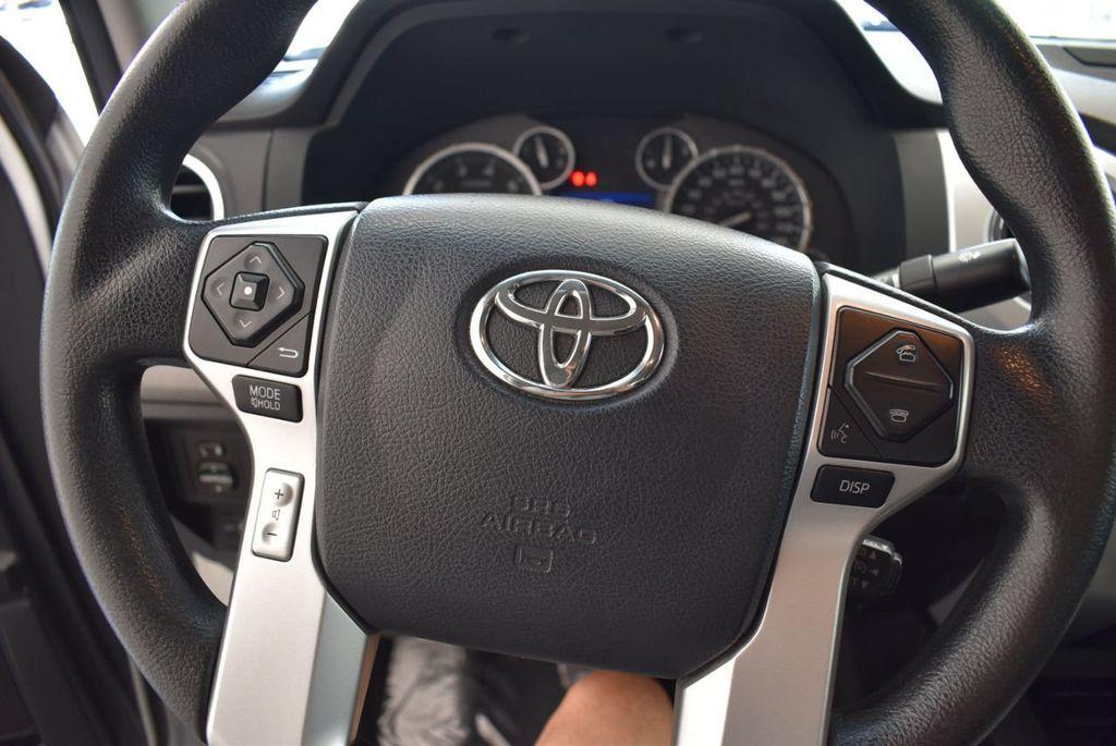 2015 Toyota Tundra Double Cab 5.7L V8 6-Spd AT SR5 (Natl) - 18194301 - 8