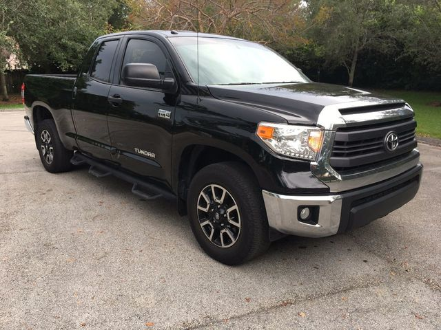 2015 Toyota Tundra Double Cab 5.7L V8 6-Spd AT SR5 (Natl) - Click to see full-size photo viewer