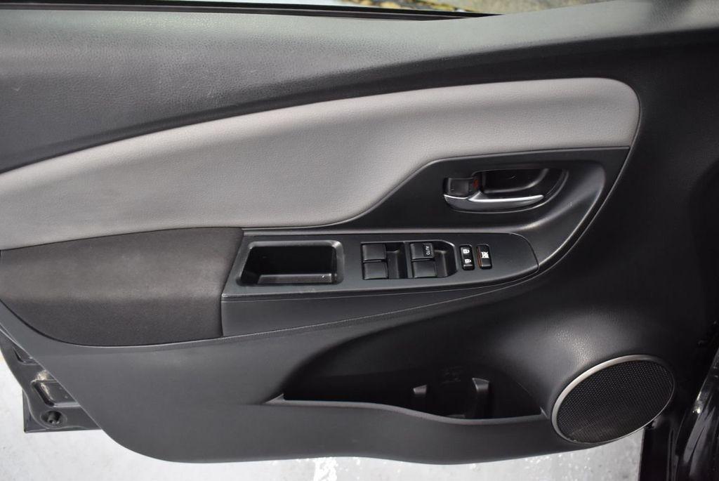 2015 Toyota Yaris 3dr Liftback Automatic L - 18336082 - 15