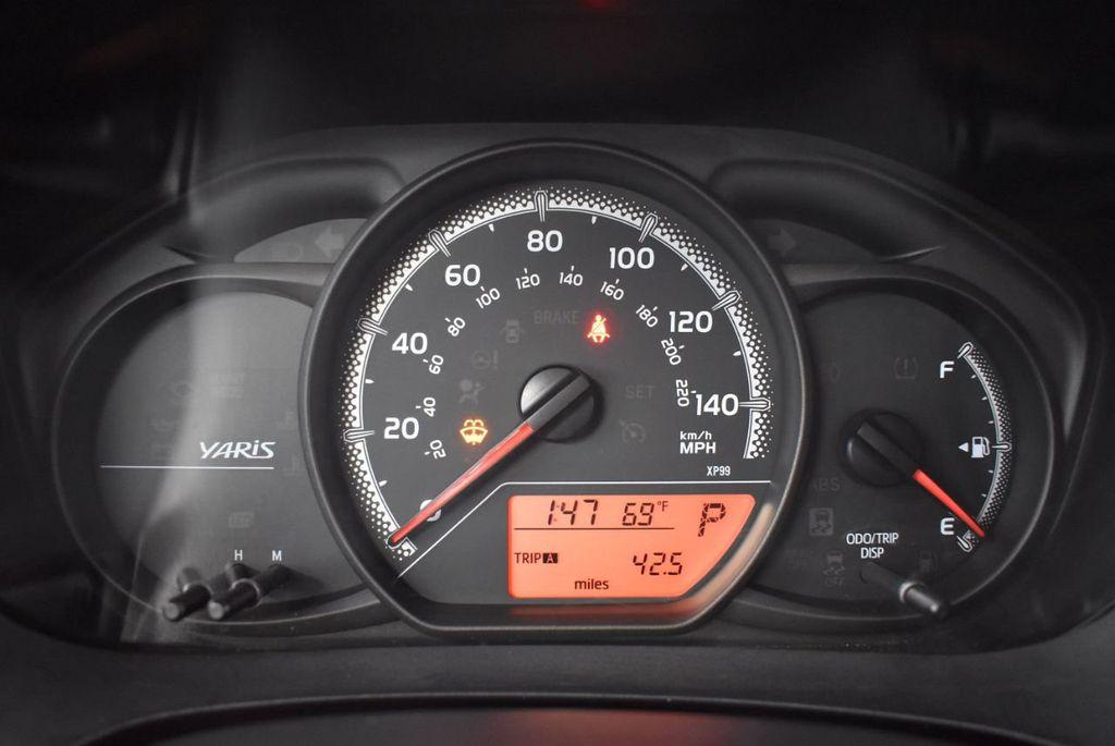 2015 Toyota Yaris 3dr Liftback Automatic L - 18336082 - 16